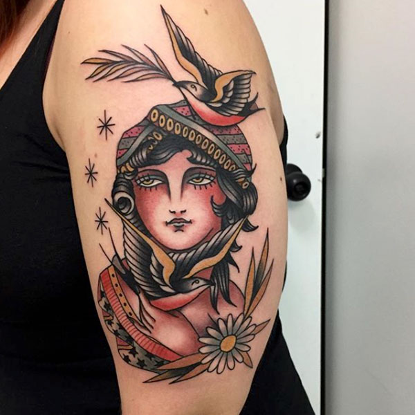 Ana Almagro - Black Ship Tattoo BCN